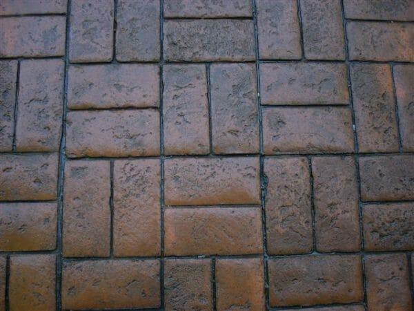 worn-brick-basketweave-stamped-concrete-walttools-example-1