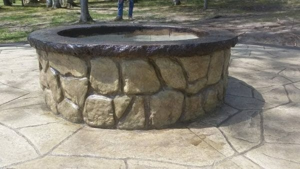 boulder-face-seatwall-firepit-form-liner-stone-concrete-stamp-yellow