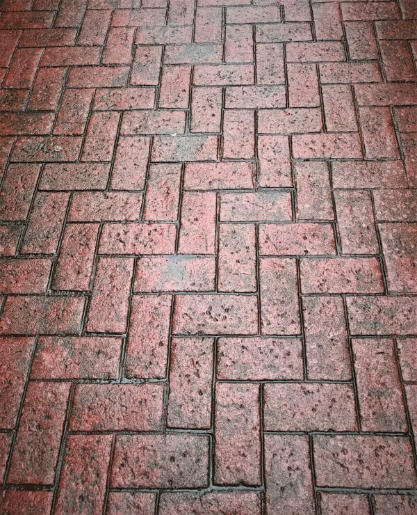 old-town-herringbone-stamped-concrete-walttools-example-3