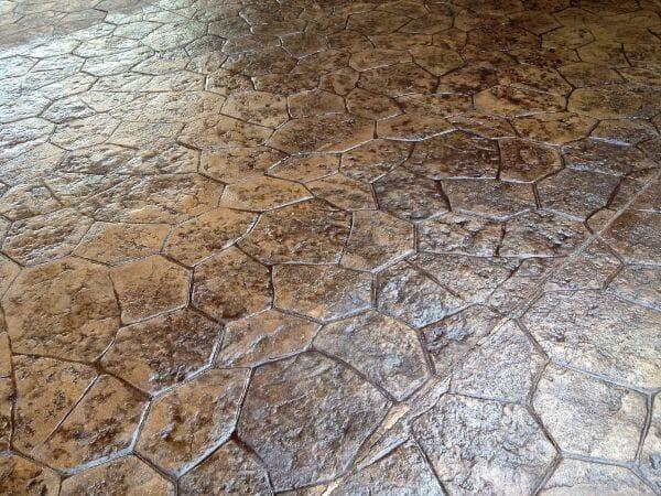 random-rock-stamped-concrete-walttools-example-1