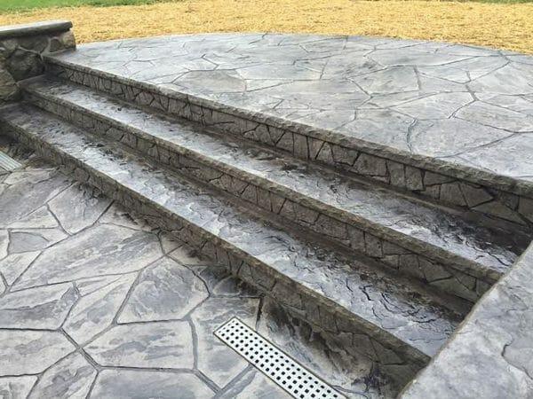 random-stone-ledge-concrete-stamp-step-insert