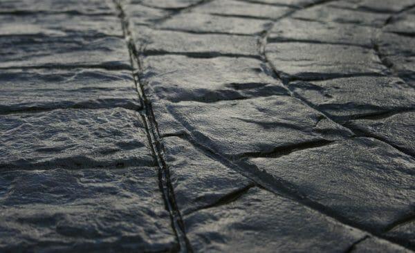cobblestone concrete border