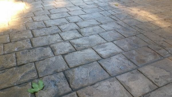 roman-cobble-stamped-concrete-walttools-example-1