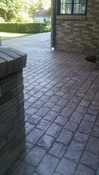 selman-roman-cobble-stamped-concrete-walttools
