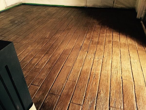 weatherwood-plank-stamped-concrete-walttools-interior