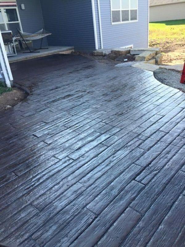 weatherwood-plank-stamped-concrete-walttools-example-4