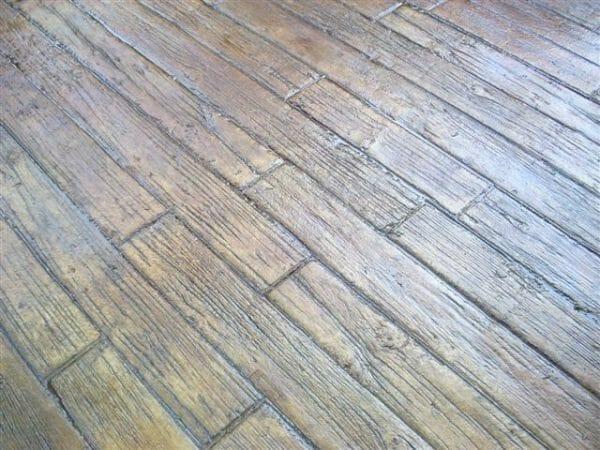 weatherwood-plank-stamped-concrete-walttools-example-5