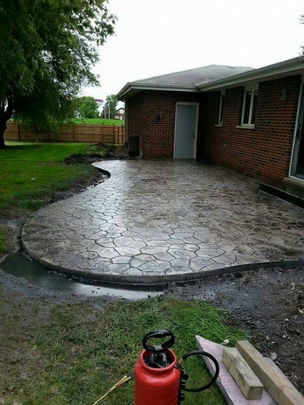 kavanaugh-original-random-stone-stamped-concrete-walttools-example-patio-1