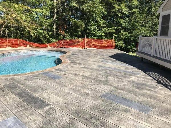 vaillancourt-centennial-plank-stamped-concrete-walttools-pool-deck