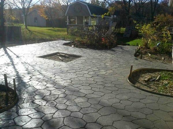 new-random-stone-stamped-concrete-walttools-example-5