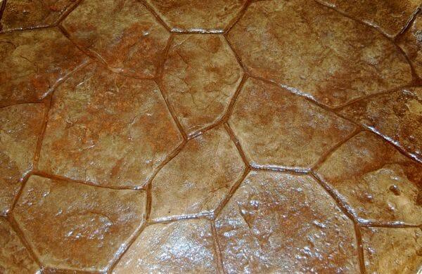 random-rock-stamped-concrete-walttools-example-3-khaki-copper