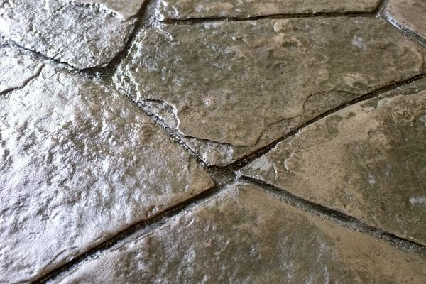 wisconsin-flagstone-stamped-concrete-walttools-closeup