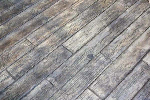 weatherwood-plank-stamped-concrete-walttools-example-2