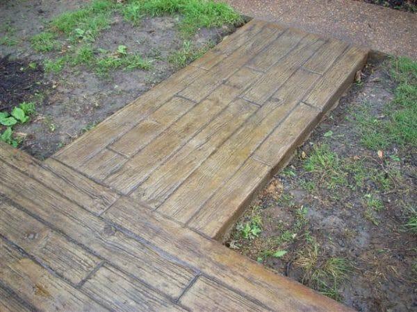 weatherwood-plank-stamped-concrete-walttools-path-2