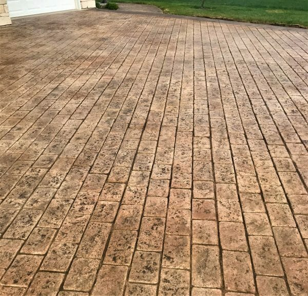 courtyard-cobble-stamped-concrete-walttools-examples-1
